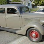 Ford_35_Fordor_Sedan_brown