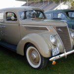 Ford_37_V8_Sedan_L-Brown_fs